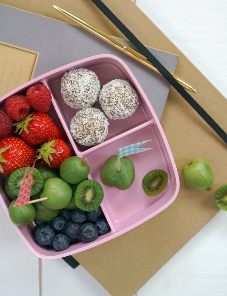 eNERGIe Balls mit Limette und Kokos