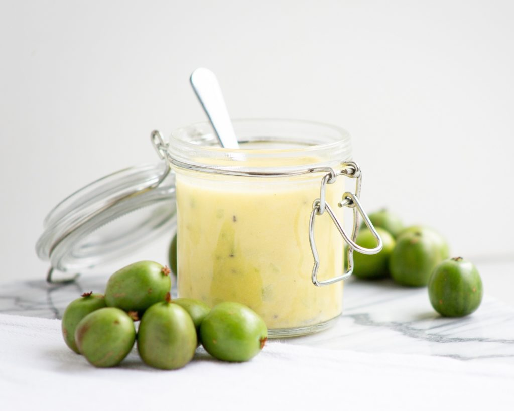 Creamy roasted Nergi® kiwi berries salad dressing