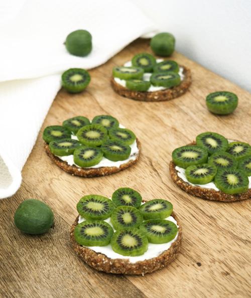 No-cooking Nergi® Kiwi Berry tartlets